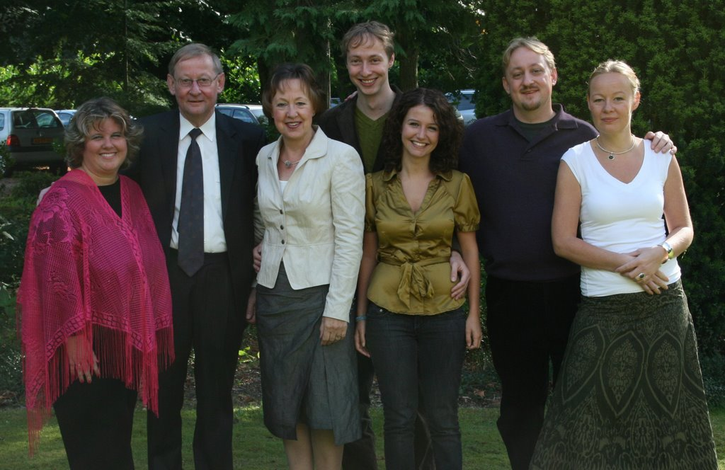 Julia with her Dutch in laws and family